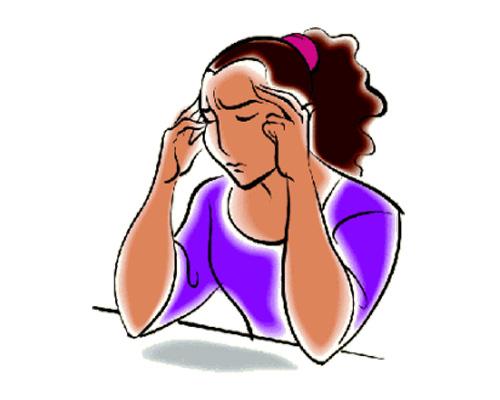 У нее болит голова - She's got a headache